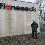 Facade rens af fitness.dk