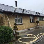 Hulmursisolering, slange tæt på taget